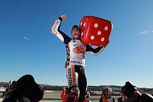 Dovizioso chute, Márquez remporte le titre MotoGP 2017!
