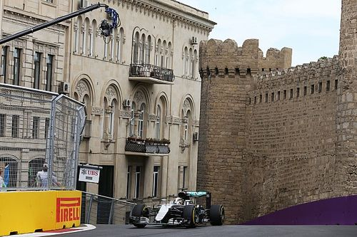 Avrupa GP: 1. antrenman seansının lideri Hamilton!