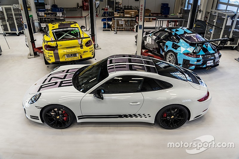 Svelata nel paddock del Mugello la 911 Carrera S Endurance Racing Edition