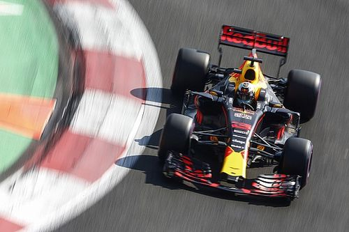 Red Bull overweegt motor van Ricciardo te vervangen
