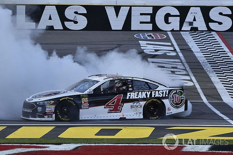 """A """"rejuvenated"""" Kevin Harvick looking to repeat 2014 success"""