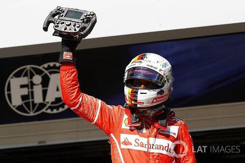 Vettel wint in Brazilië, Hamilton sterk naar vierde plek, Verstappen vijfde