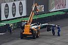 Hamilton kecelakaan, tereliminasi dari Q1 GP Brasil
