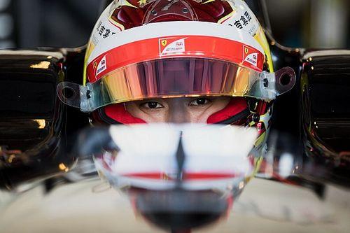 EK F3 Pau: Zhou overleeft meerdere herstarts en wint eerste race