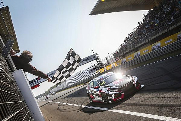 Zandvoort WTCR: Ehrlacher eases to Race 1 win