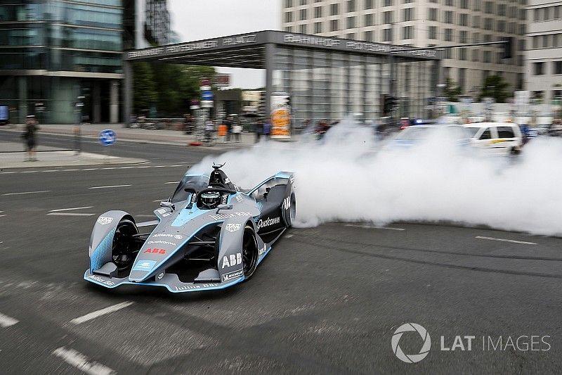 Photos - Nico Rosberg au volant de la Formule E Gen2