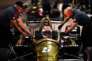 Schmidt Peterson hunting for Hinchcliffe's oval car issues