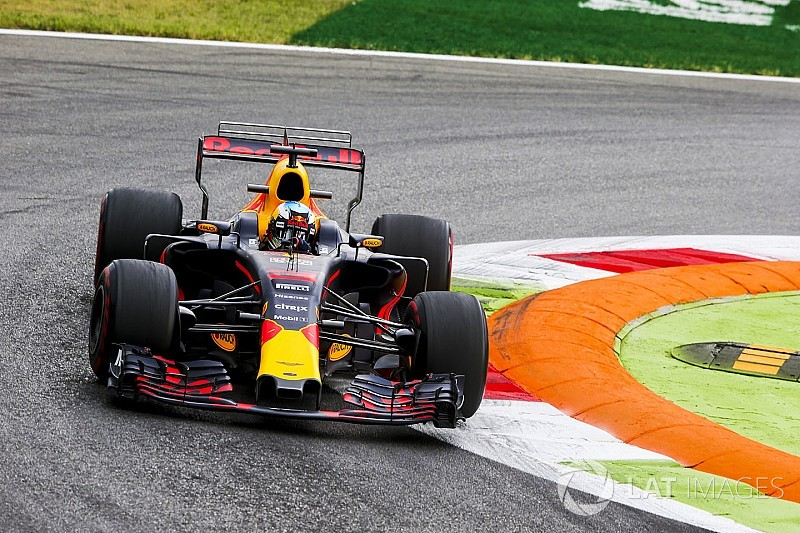 Gearbox change adds to Ricciardo grid penalty