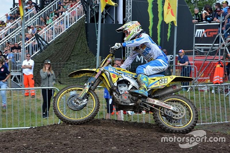 Jonass cade e Seewer si prende la qualifica della MX2 in Russia