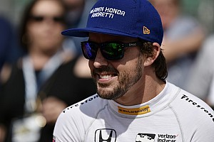 Stop/Go Livefeed Alonso ismét diót tört a nyakával: kemény