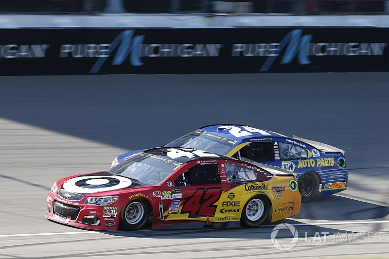 NASCAR Michigan: Kyle Larson hält Chase Elliott auf Distanz