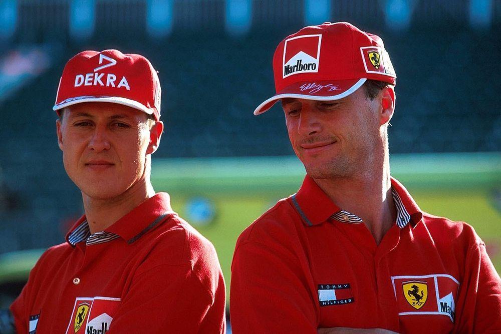 Schumacher egykori csapattársa, Eddie Irvine megnevezte, ki a legjobb a mezőnyben...