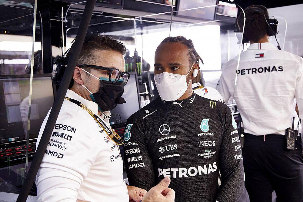 A Mercedes továbbra sem érti, hogyan tudta Verstappen megelőzni őket