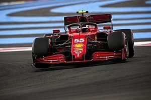 Sainz: Ferrari's tyre degradation twice as bad as F1 rivals'