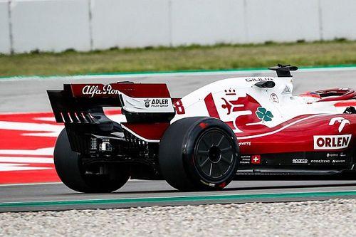 Alfa Romeo: Kubica gira con i cerchi 2022 lenticolari