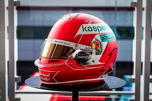 VIDEO: Leclerc y su casco especial en Silverstone para honrar a Ferrari