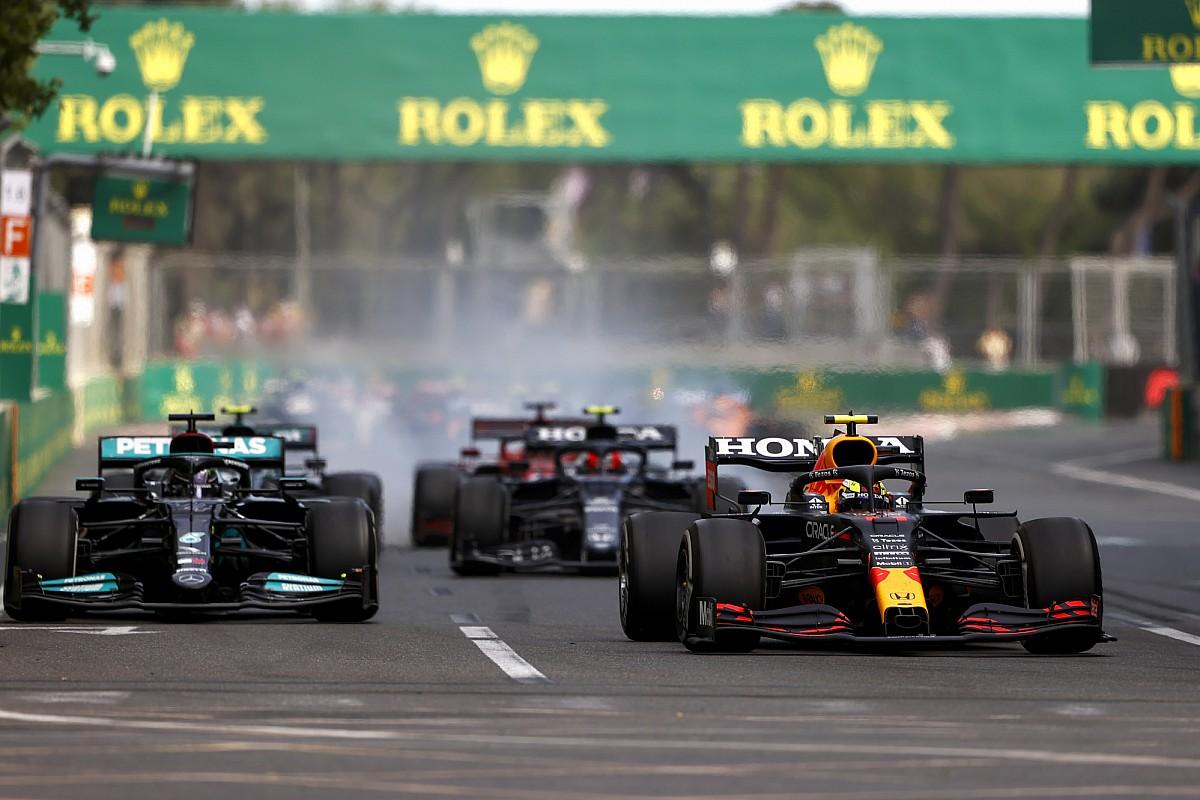 Azerbaycan GP: Kaotik yarışı Perez kazandı, Verstappen ve Hamilton puansız ayrıldı!