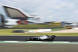 Los Mercedes ya mandan en Silverstone