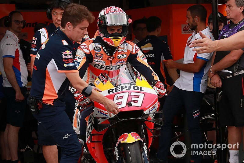 """Honda bosses left """"angry"""" with Marquez risk-taking"""
