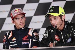 """Rossi kritisch op snelle comeback Marquez: """"Alle regels gebogen"""""""