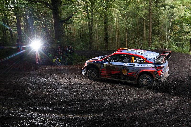 WRC, Rally Galles, PS5: Latvala ed Evans volano. Neuville 2°