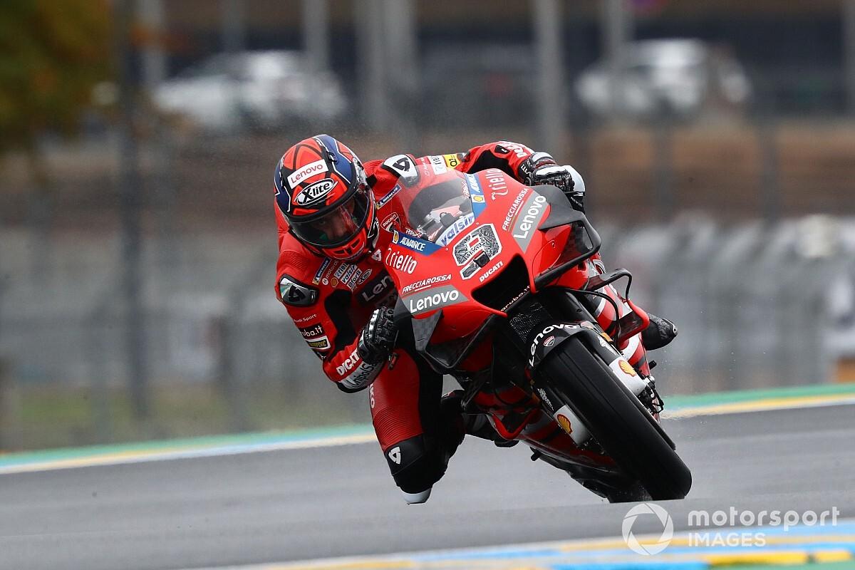 Petrucci wint voor debutant Marquez in natte GP van Frankrijk