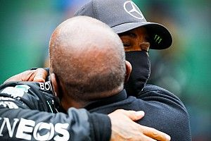 """Lewis Hamilton sobre su padre Anthony: """"Es mi héroe"""""""