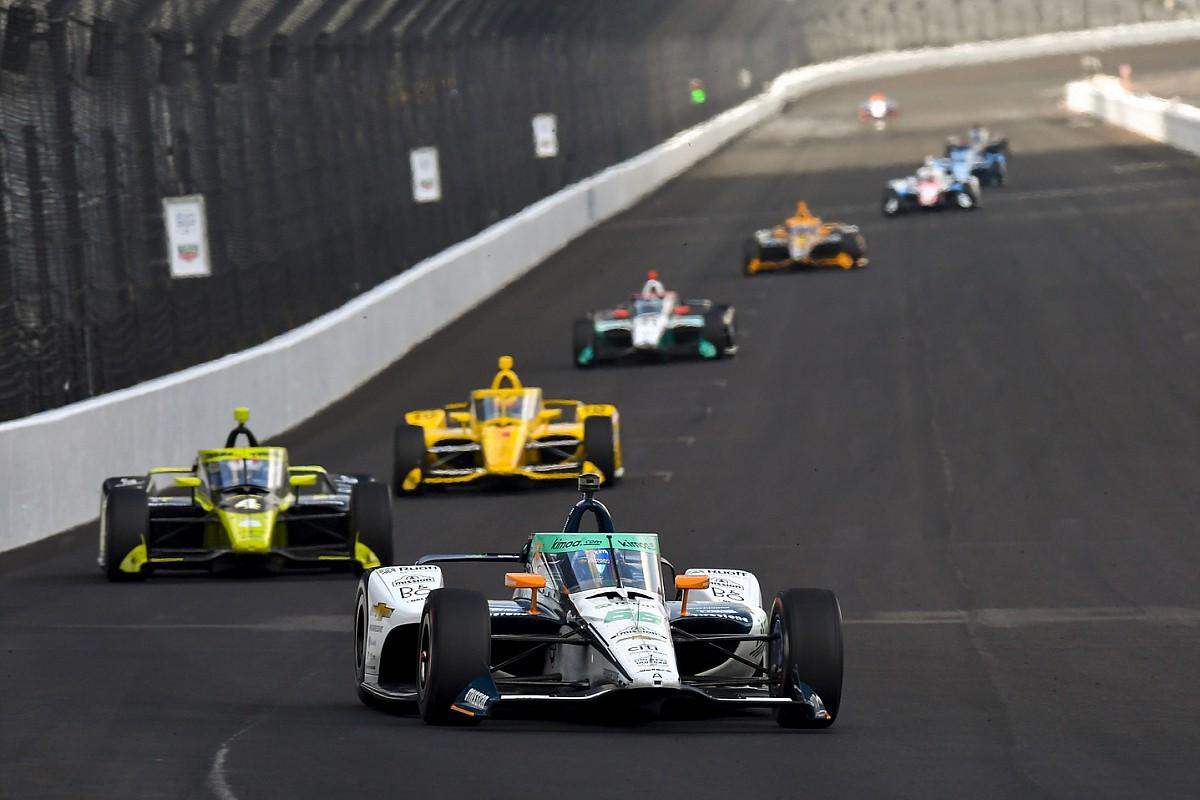 """Moeizame Indy 500 voor Alonso: """"Geen enkele vlekkeloze ronde"""""""