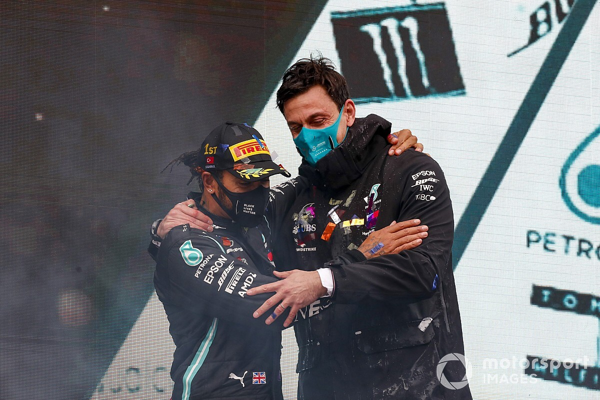 Wolff: Hamilton has cemented position among sports greats