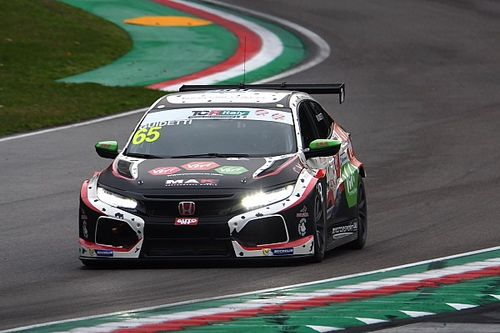 TCR Italy: Guidetti beffa Brigliadori ed è in Pole per Gara 1
