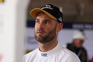 Van Gisbergen breaks collarbone in bike crash