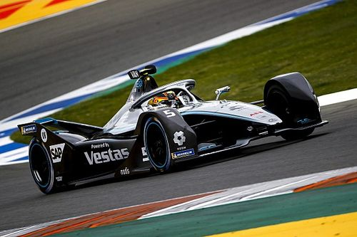 فورمولا إي: فاندورن أول المنطلقين لصالح مرسيدس في سباق فالنسيا الأول