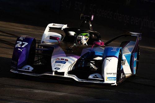 Sims-pole-lal indult a szezon, Mercedes 2-3 a szaúdi időmérőn!