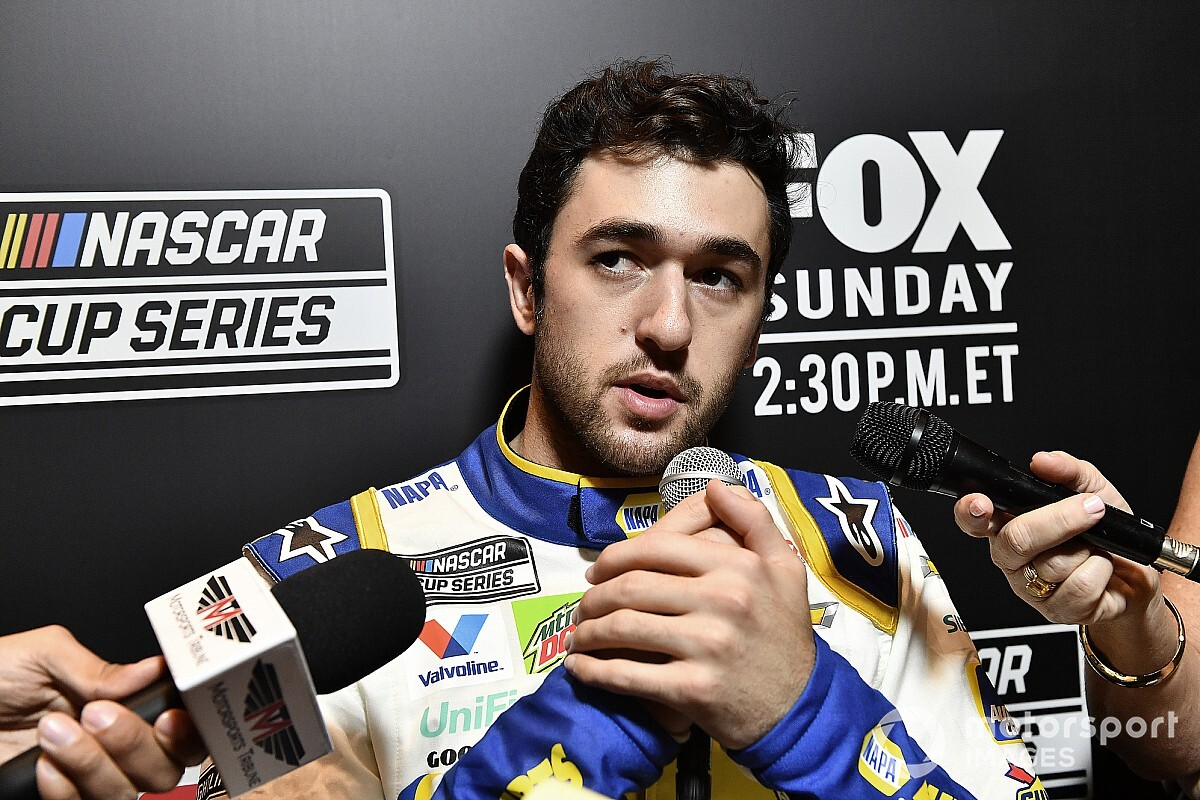 Chase Elliott: 'Class guy' Jimmie Johnson deserves more respect