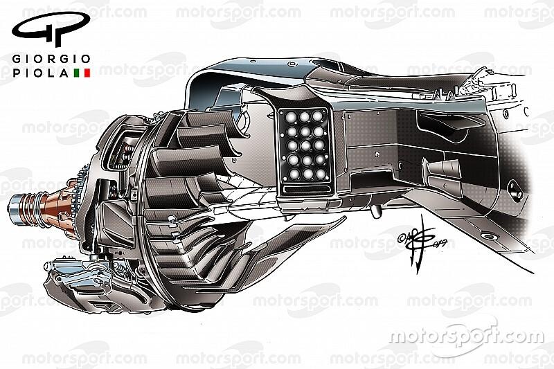 Крылатые тормоза. Как выглядят спрятанные лопасти на задних колесах Ferrari