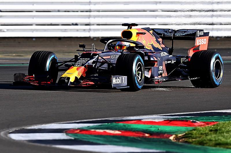 A nagy pillanat: pályára gurult az új Red Bull-Honda