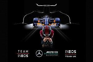 Mercedes también se 'pasa' al ciclismo junto a los ganadores del Tour