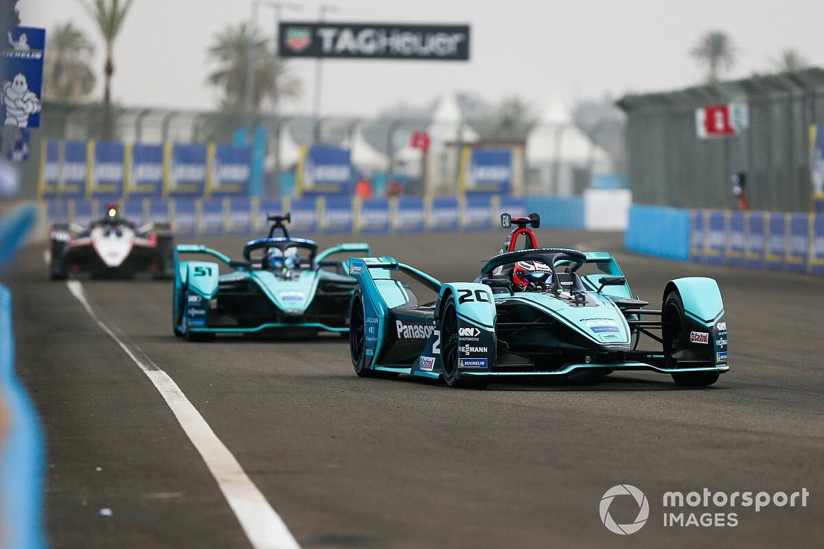 Сезон Формулы Е остановлен на два месяца