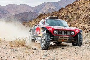 Dakar, Auto, Tappa 5: Sainz concede il bis battendo Al-Attiyah