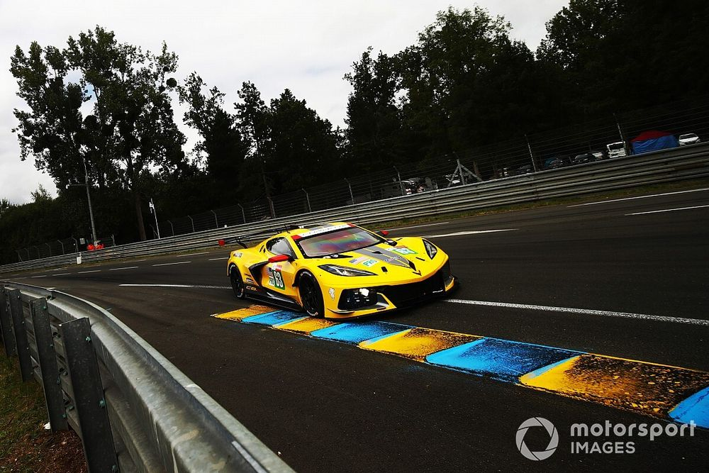 Le Mans, 5a Ora: Toyota in controllo, cambiano gli altri leader