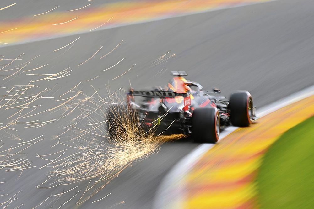 Verstappen lidera y se accidenta en la FP2 de Bélgica; Alonso, 4º