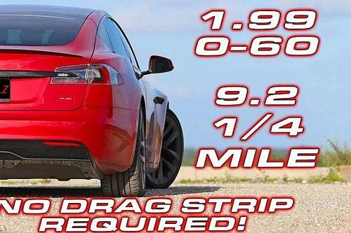 Még pályára sem kell gurulni, hogy kijöjjön a Tesla Model S Plaid maximális tempója