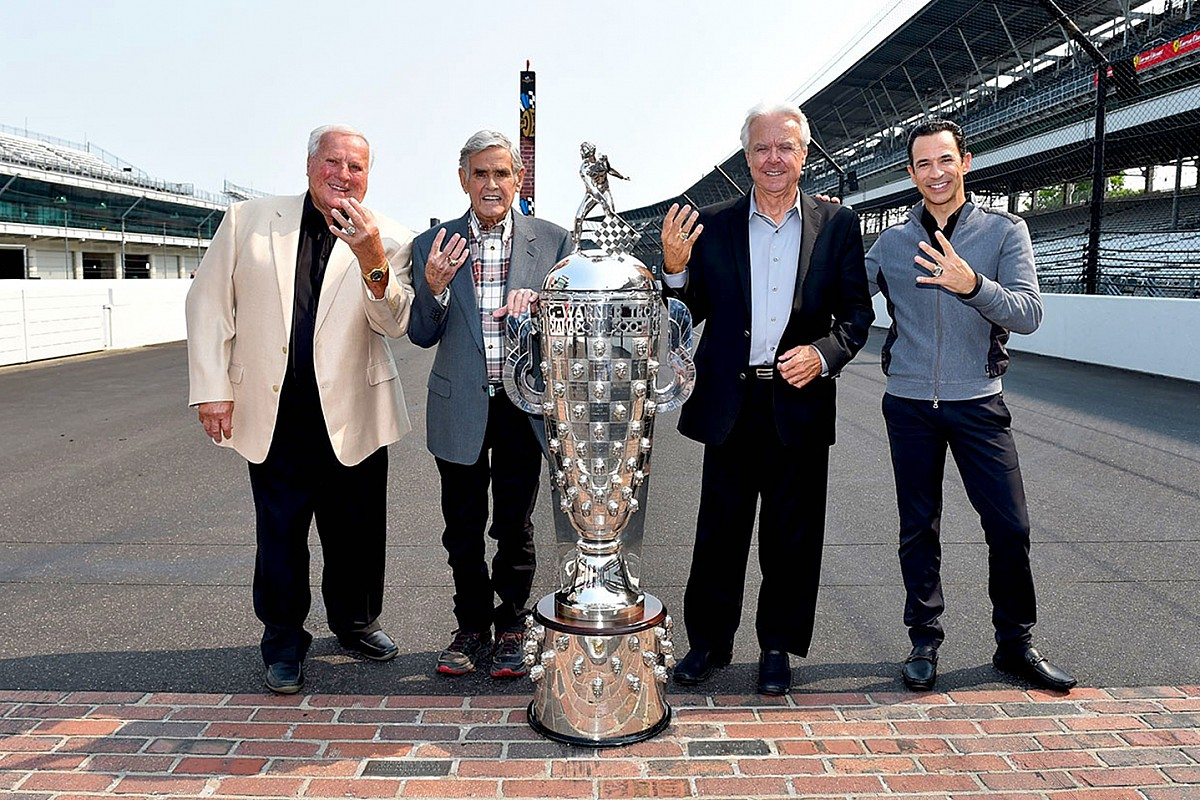 """Castroneves: Being with Foyt, Unser, Mears """"blows my mind"""""""