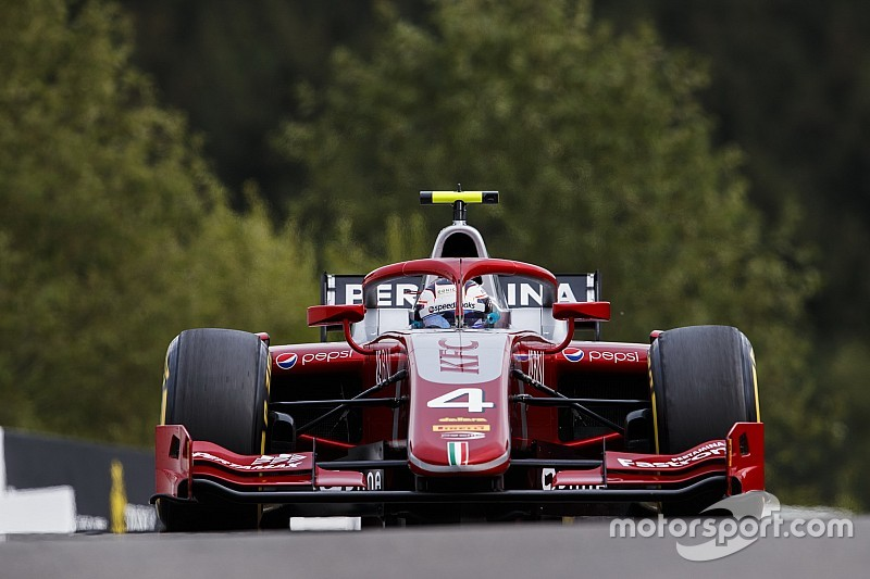 Spa F2: De Vries dominates feature race