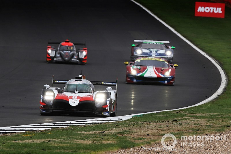 Организаторы WEC замедлили Toyota накануне японского этапа