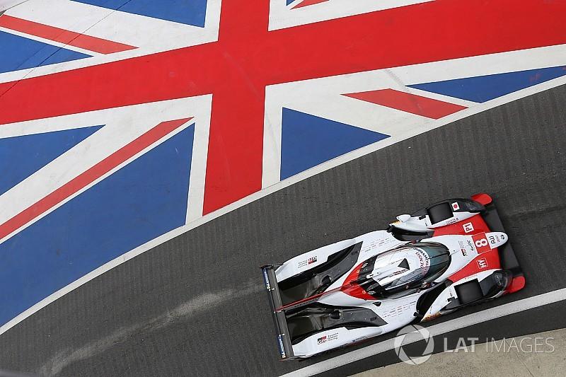 Alonso egyik gyorsköre a Toyota LMP1-es autójával Silverstone-ban