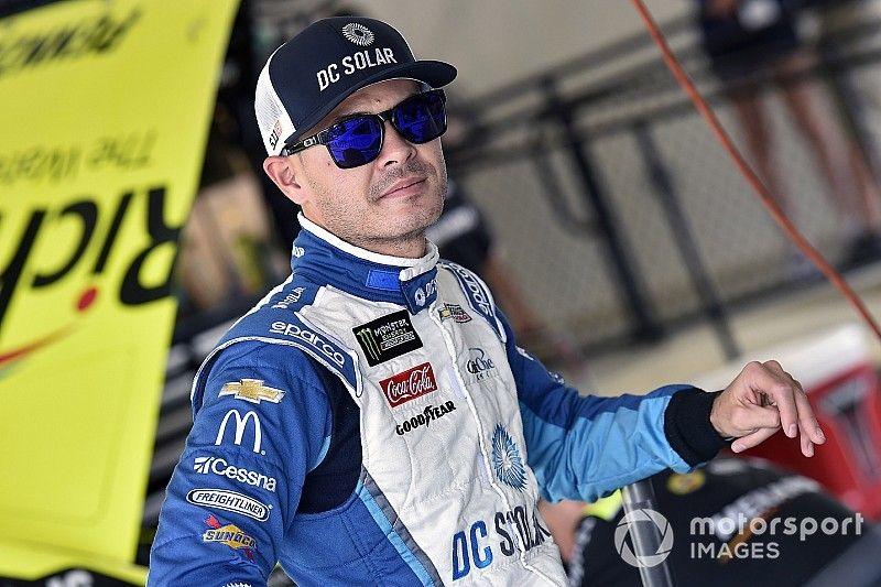 Kyle Larson lidera la práctica de NASCAR en Dover
