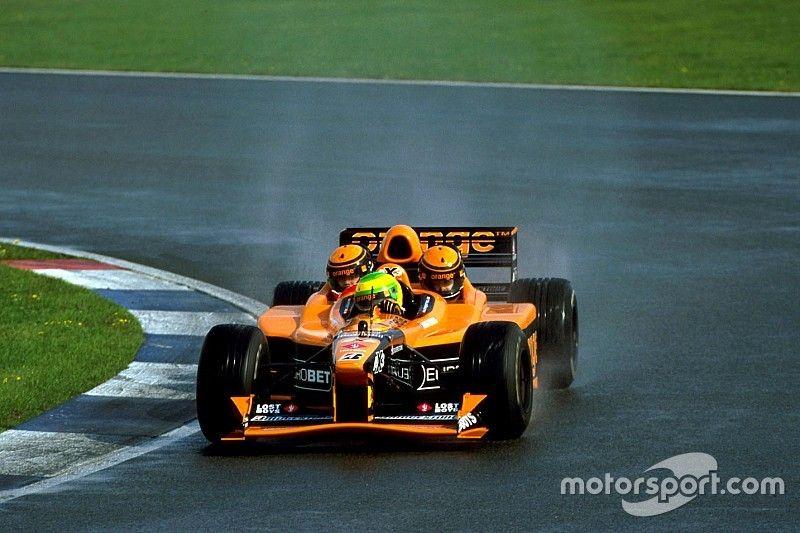 GALERÍA: Hace 18 años, Arrows presentó el innovador F1 de tres plazas