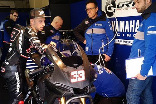 Ritorno al passato per Melandri: oggi debutta a Jerez sulla Yamaha R1 del team GRT