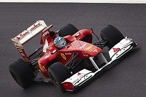 Webber lélegzetelállító manővere Alonso ellen az Eau Rouge-ban (videó)